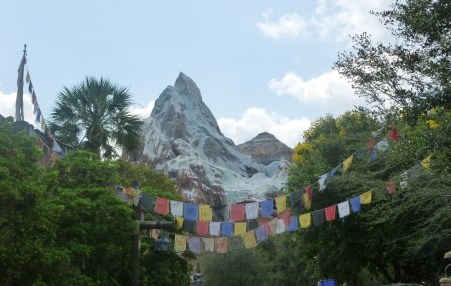 I rode Everest three times in one afternoon thanks to the single rider line!