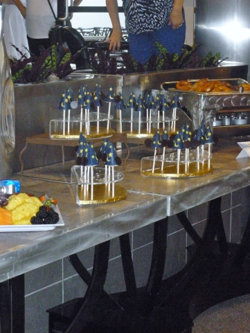 The awesome sorcerer's hat cake pops