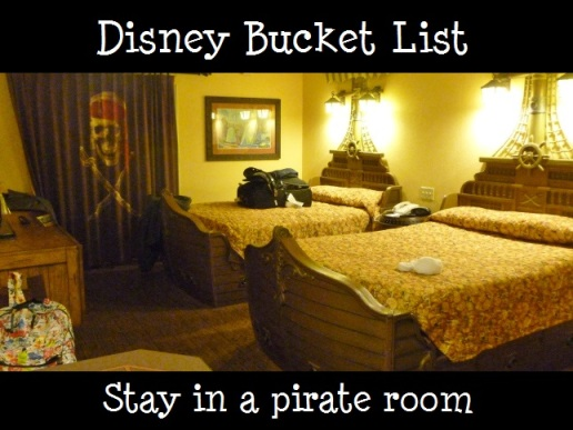 stay in a pirate room